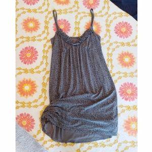 🍍2/$15 Soft leopard print nightgown 🌙